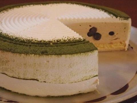 KUROMAME Cheese/黒豆と黒みつのチーズケーキ